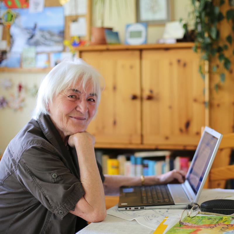Christa Berbig in ihrer Schreibstube